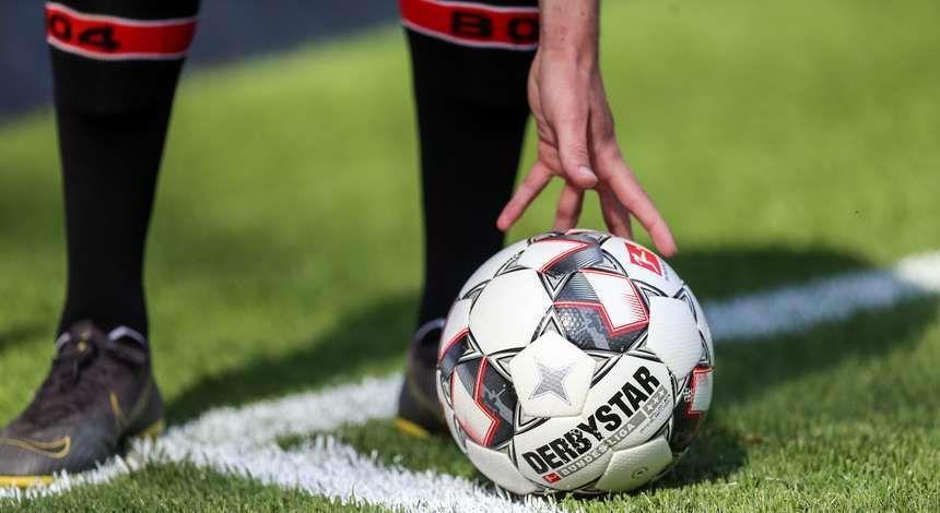 Bundesliga canlı izle mek için S Sport kanalına abone olun.